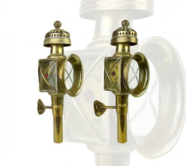PAIR OF VICTORIAN OIL COACH LAMPS