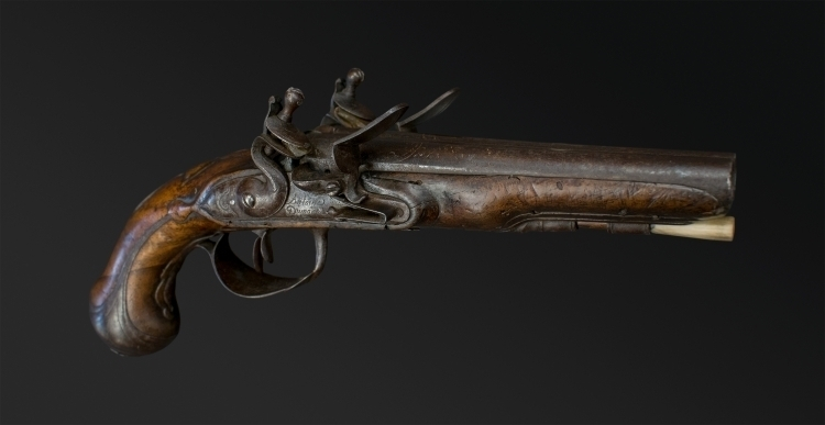sold - FRENCH CARRIAGE PISTOL SIGNED ANTOINE DUMAREST - sold