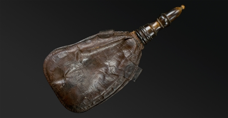 LARGE FRENCH LEATHER SHOT FLASK, LATE 18TH EARLY 19TH CENTURY