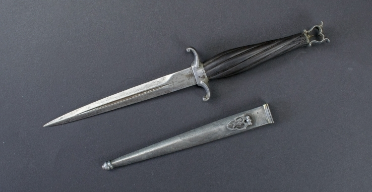 SMALL LATE 19TH CENTURY EUROPEAN CONCEALED DAGGER