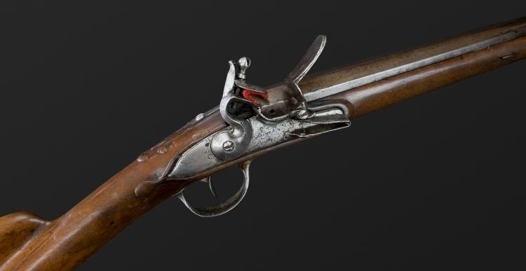 FRENCH FLINTLOCK SPORTING GUN SIGNED JOSEPH DUMAREST (1700-1766)